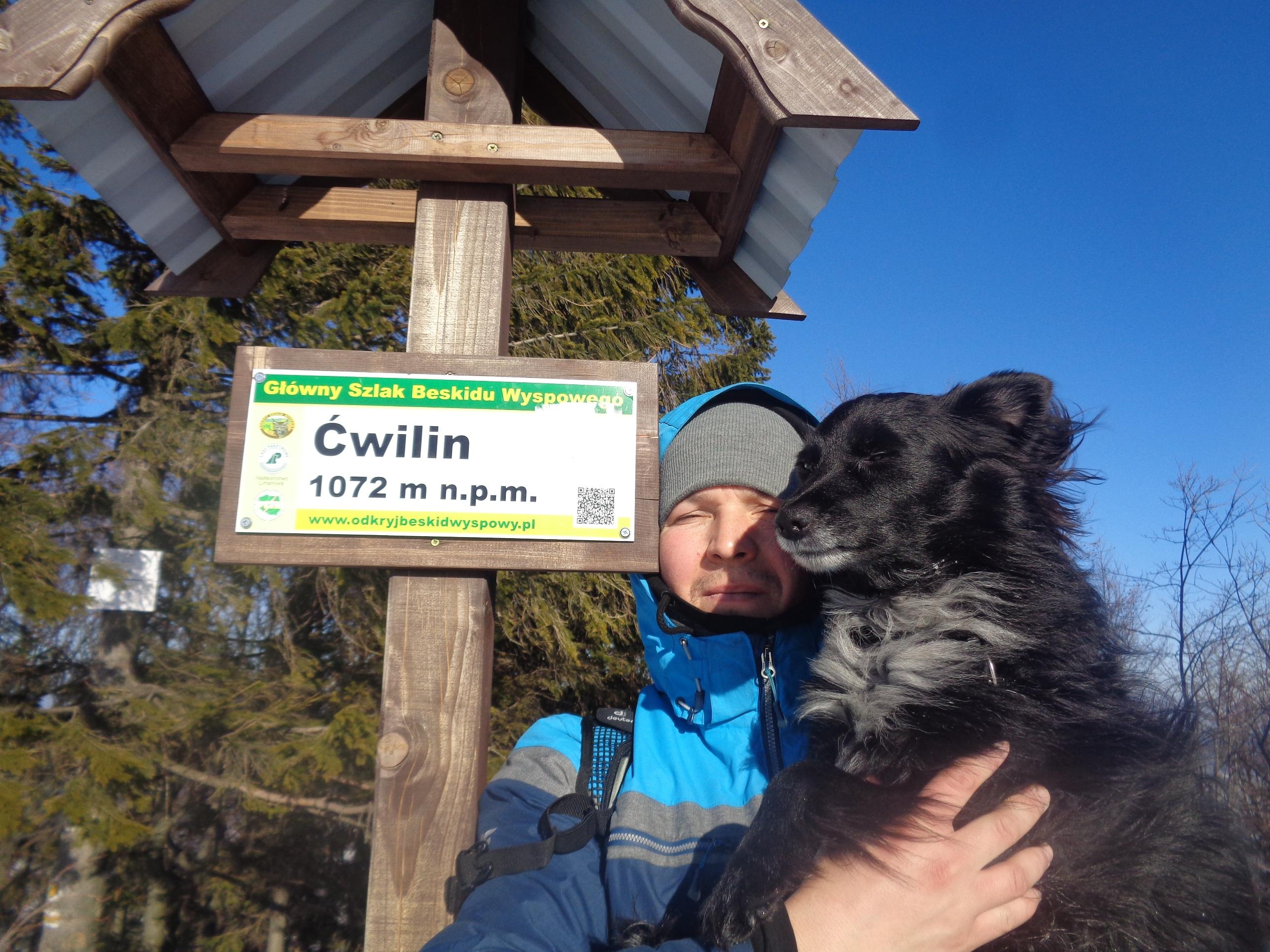 Z psem na Ćwilin – szlak z Jurkowa.